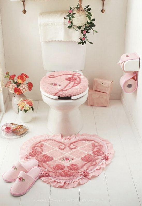 Para os românticos de plantão: jogo de banheiro em coração