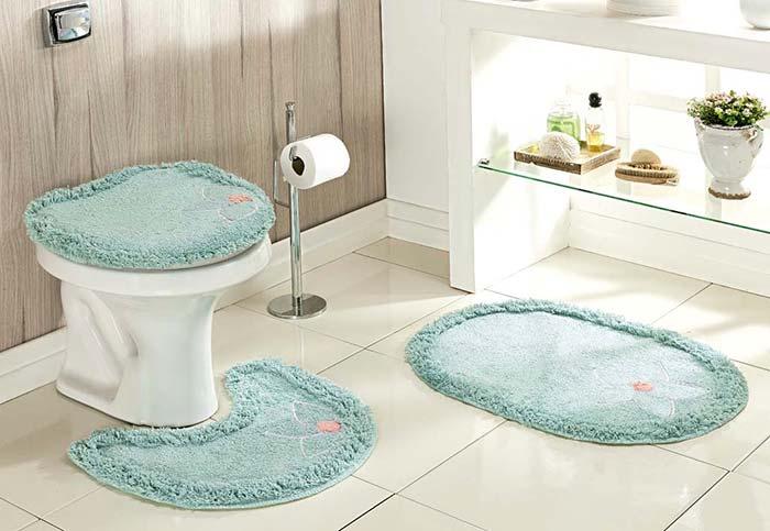 Azul suave no jogo de banheiro