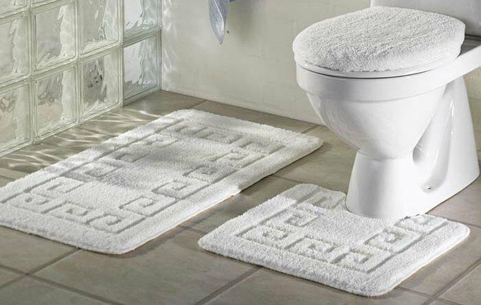 Jogo de banheiro: saiba como escolher e veja referências de decoração