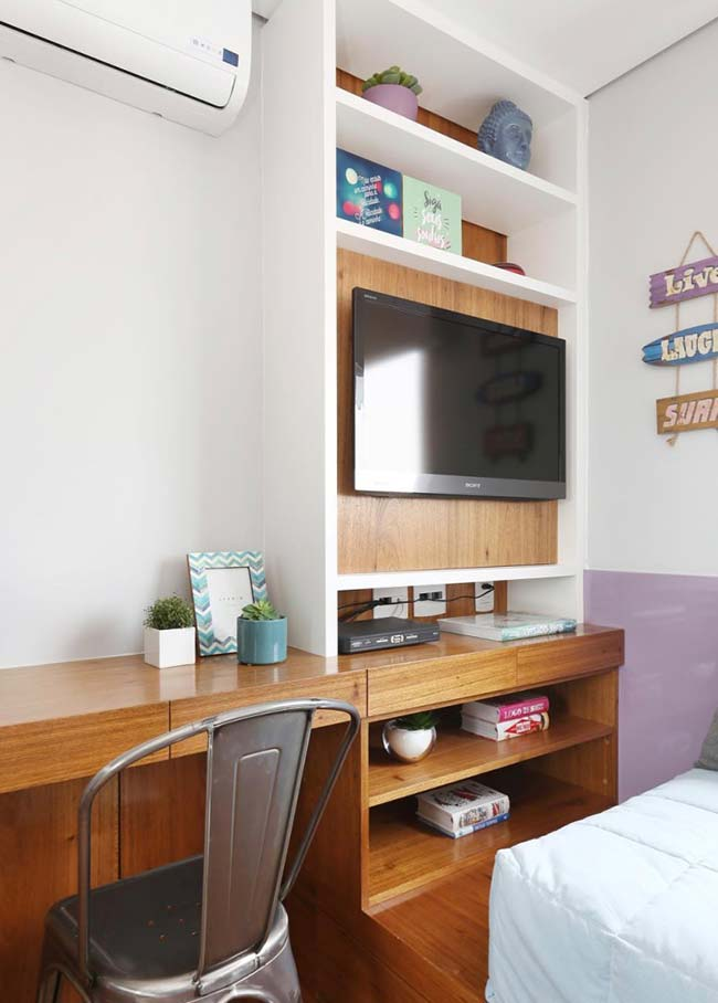 Bancada de madeira para sala