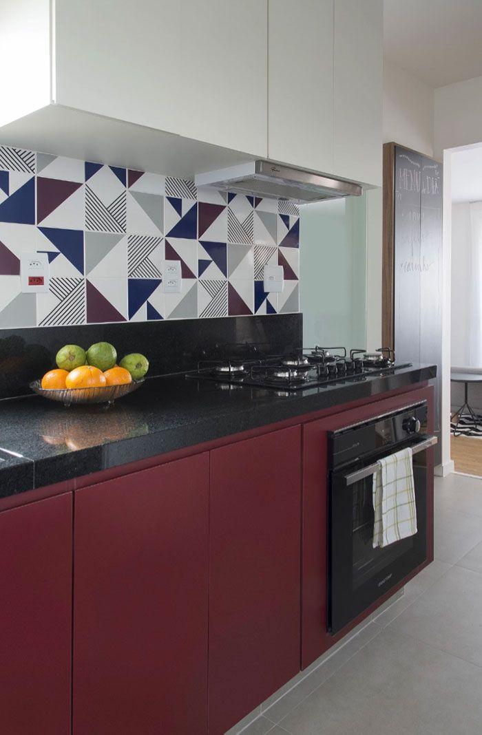 Trio de cores realçado com Granito Preto São Gabriel