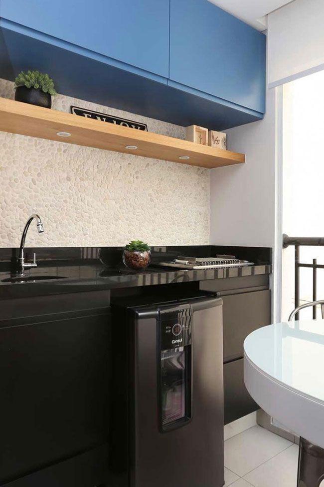 Bancada de cozinha preta com Granito Preto São Gabriel