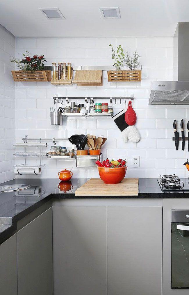 Cozinha com granito São Gabriel em acabamento impecável