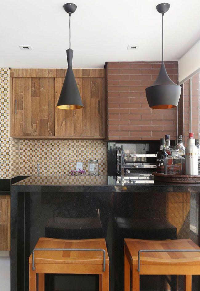 Cozinha de tons terrosos com Granito Preto São Gabriel