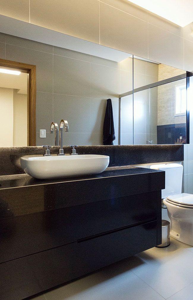 Banheiro luxuoso com Granito Preto São Gabriel
