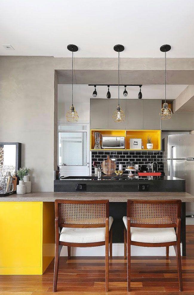 Cozinha americana com balcão e bancada em Granito Preto São Gabriel