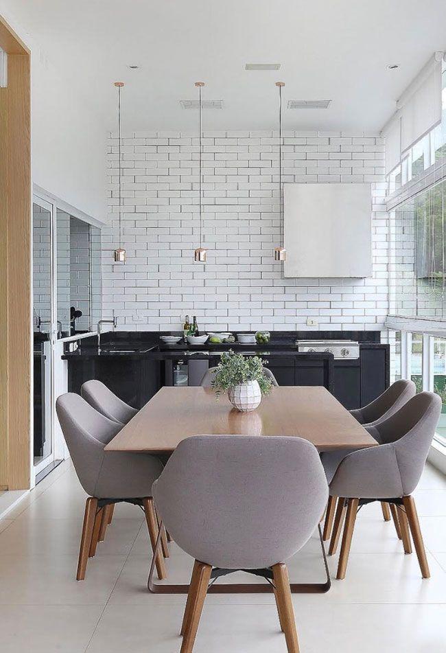 Cozinha ampla com bancada de Granito Preto São Gabriel