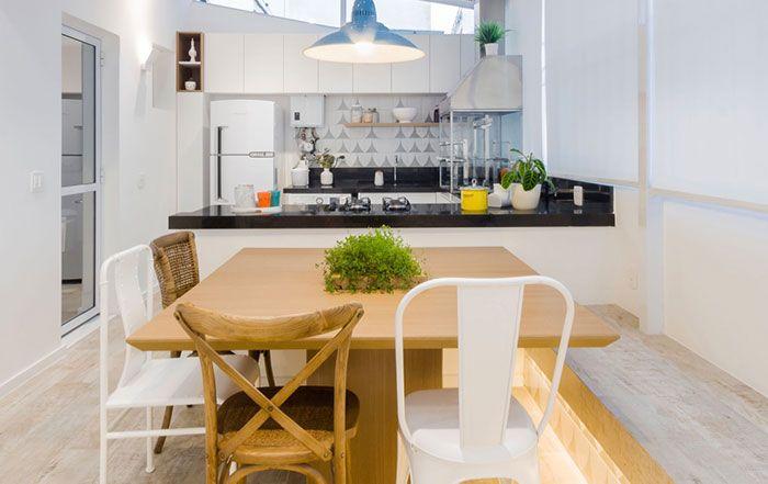 Granito preto em cozinha com tons clássicos