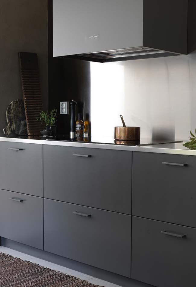 Cozinha quase preta