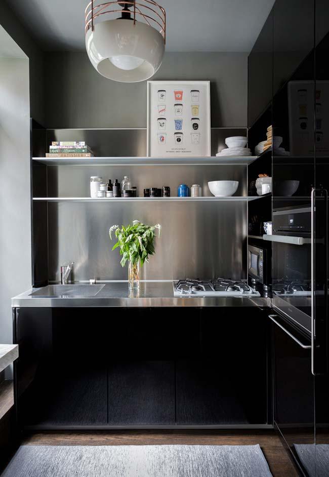 Cozinha preto e inox