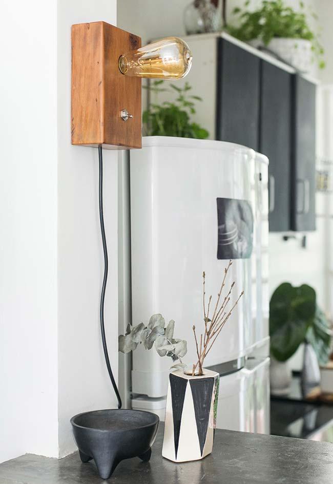 Luminária de madeira artesanal e simples de fazer