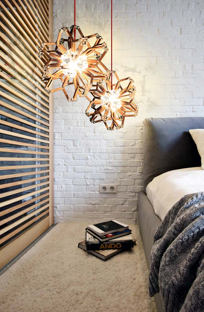 Luminária pendente baixa de madeira