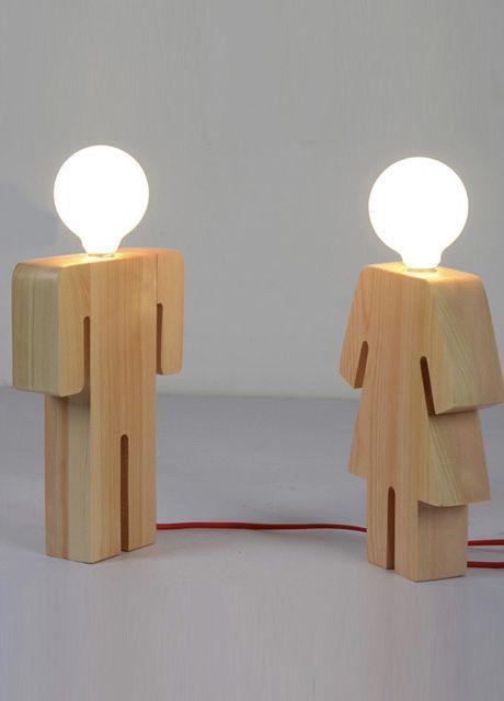 Luminária de madeira para eles e para elas