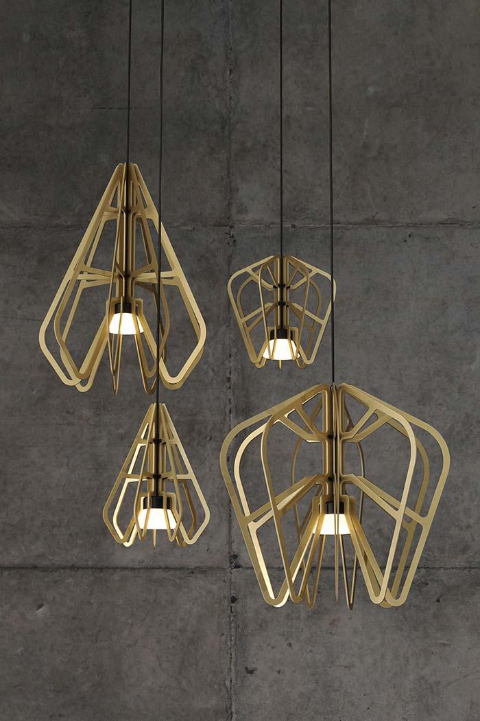 Conjunto de luminárias pendentes de madeira