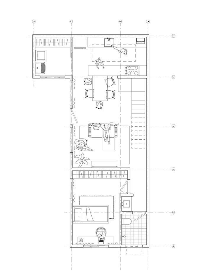 Piso inferior com área social integrada e um quarto de hóspedes
