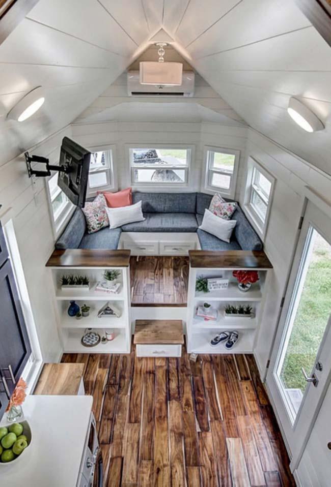 Em casas pequenas: móveis podem ajudar a dividir os ambientes