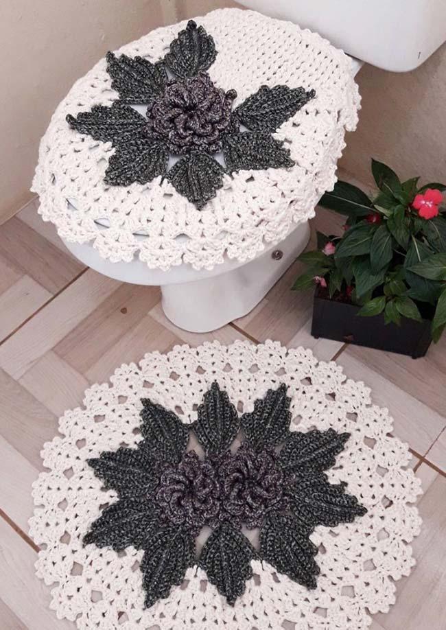 O clássico preto e branco no conjunto de banheiro dual color