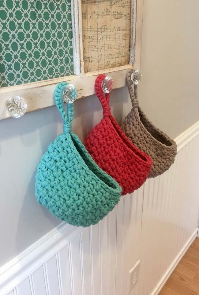 Um suporte para cada porta papel higiênico de crochê