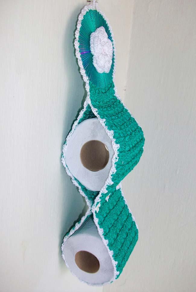Porta papel higiênico de crochê feito com CD