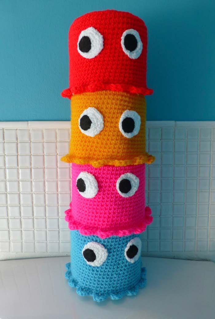Olhinhos curiosos e divertidos em cada porta papel higiênico