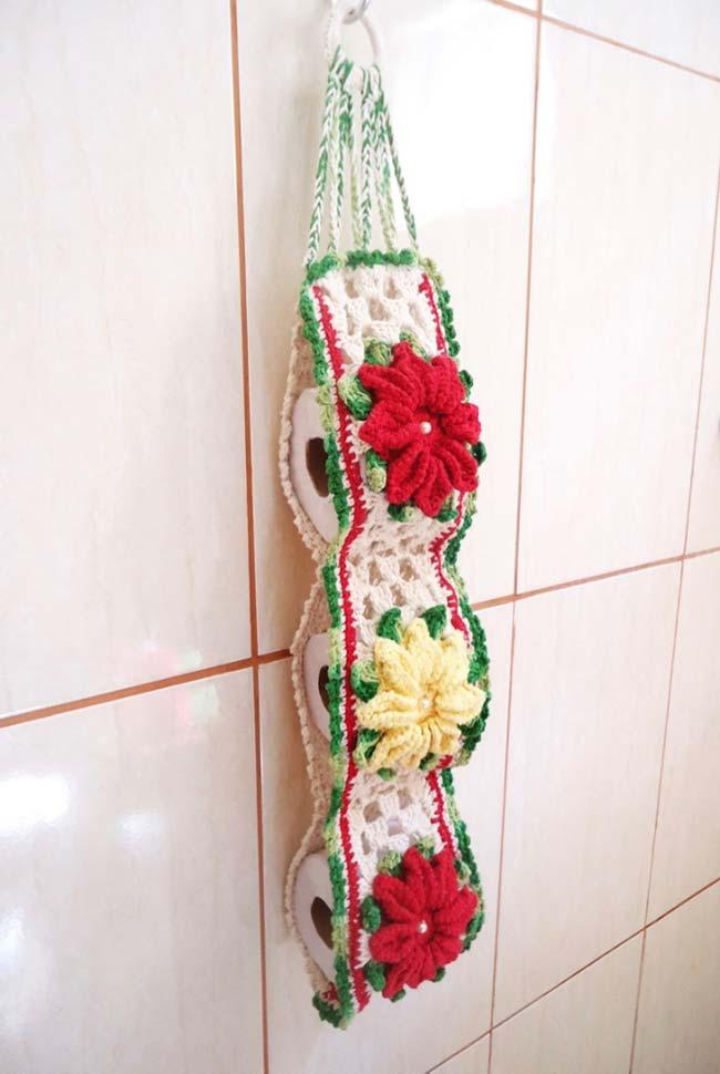 Porta papel higiênico de crochê com flores de camélia