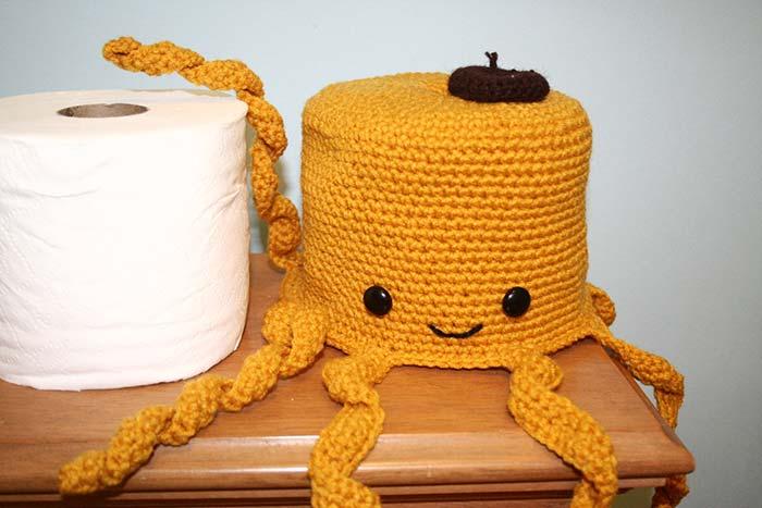Porta papel higiênico de crochê polvo amarelo