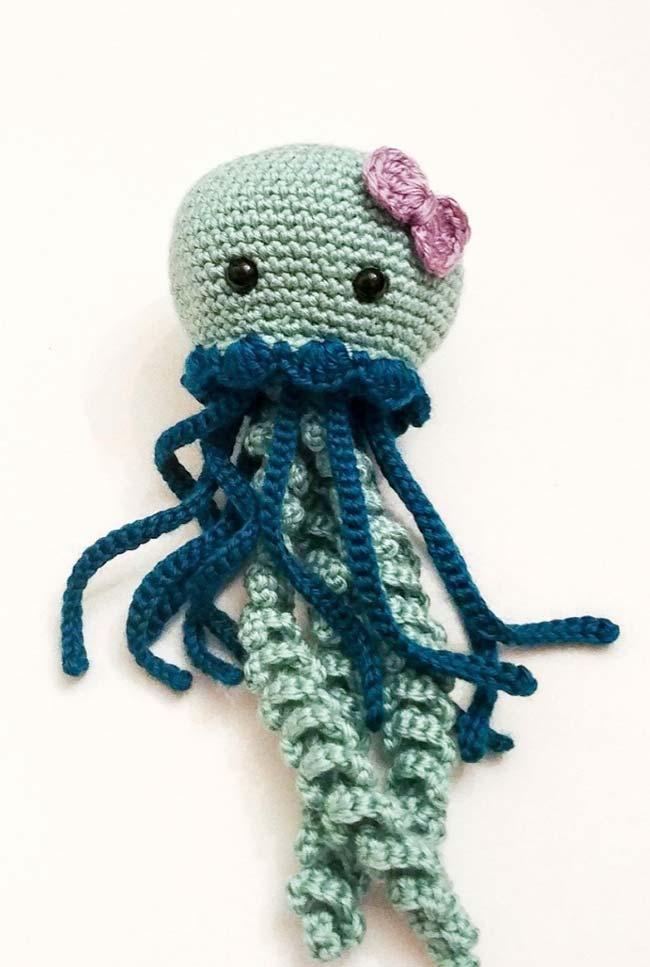 Polvo de crochê com dois tipos de tentáculos