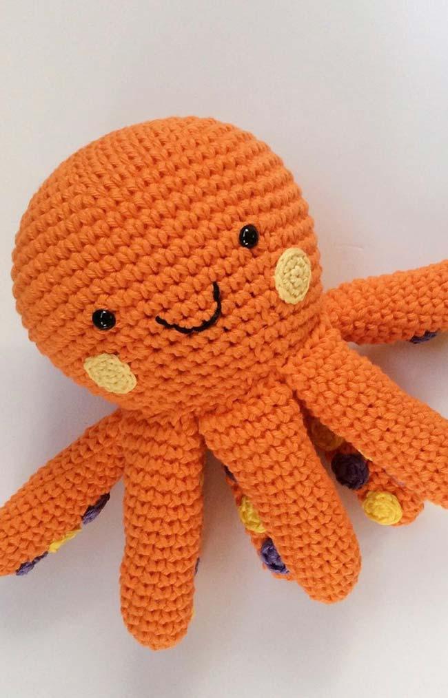 Bolinhas coloridas debaixo de cada tentáculo do polvo imita a forma real do animal