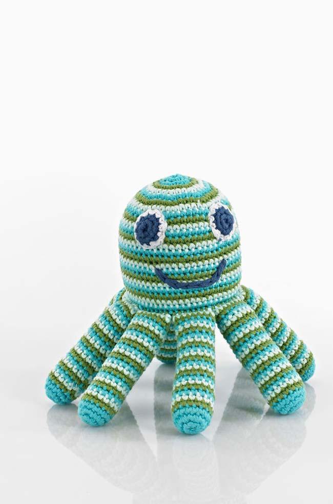Tentáculos com enchimento mais firme no polvo de crochê