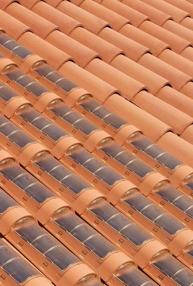 Telhado com telhas fotovoltaicas