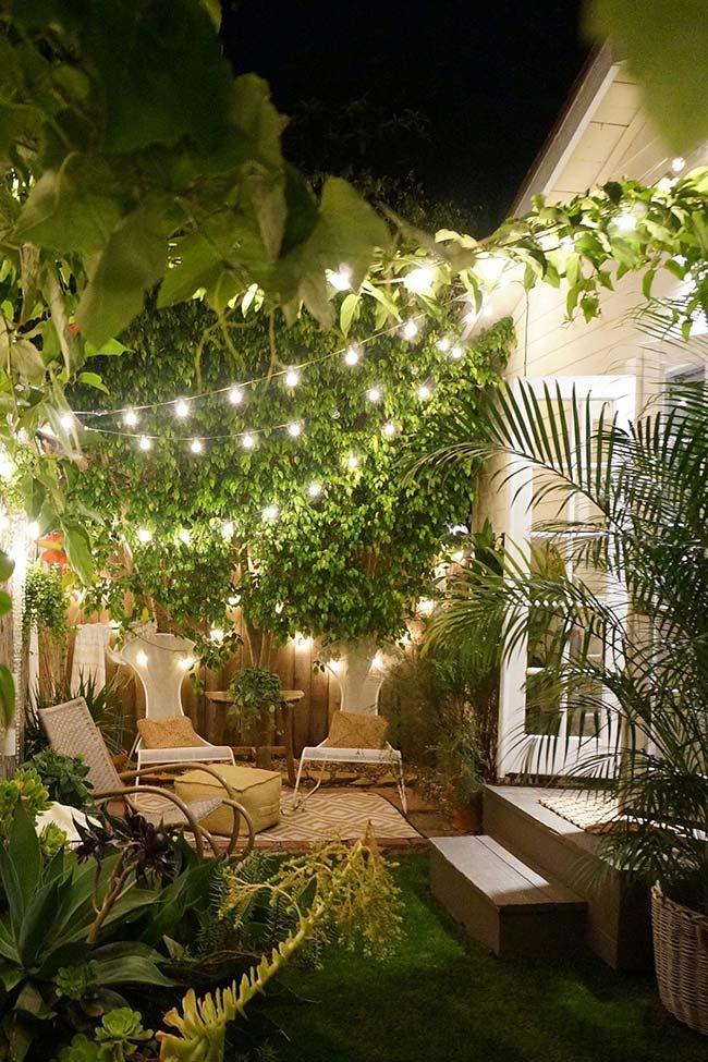 Jardim pequeno em clima intimista