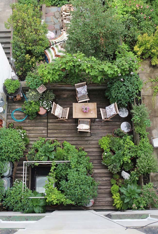 Vista da área do projeto do jardim pequeno por cima