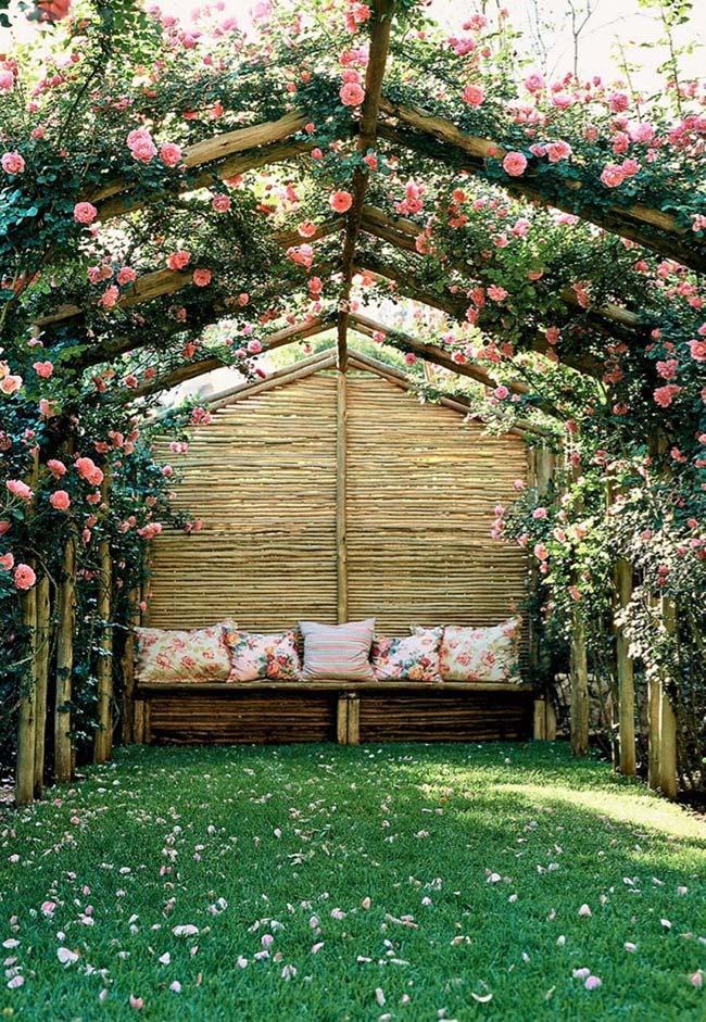 Espaço romântico para jardim pequeno