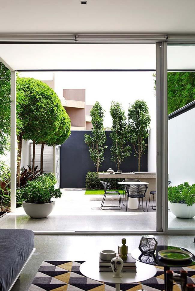 Jardim em concreto pequeno