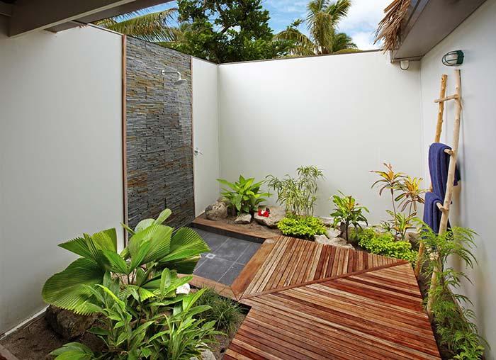 Jardim pequeno para área de banho
