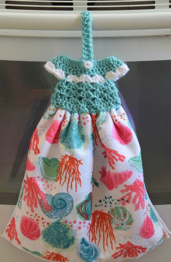 Porta pano de prato de crochê vestidinho
