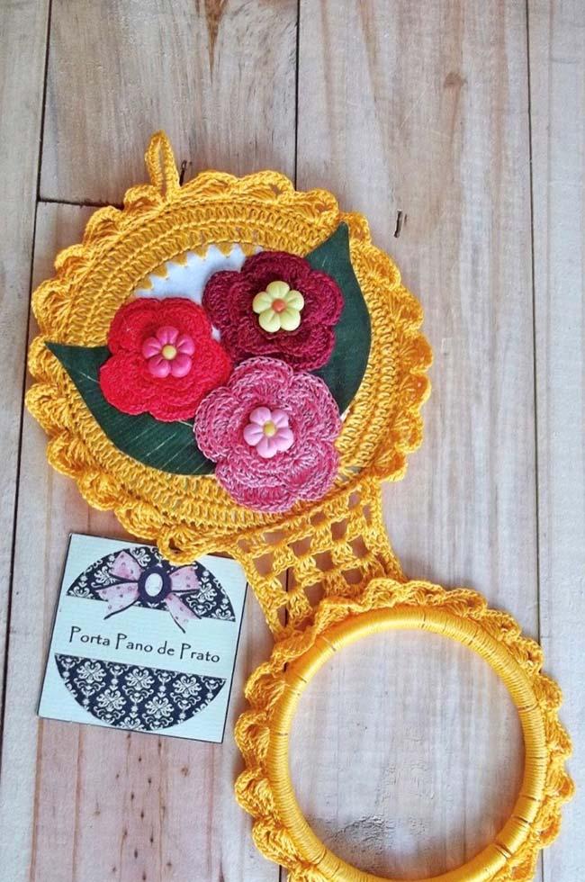 Porta pano de crochê feito com CD e flores coloridas
