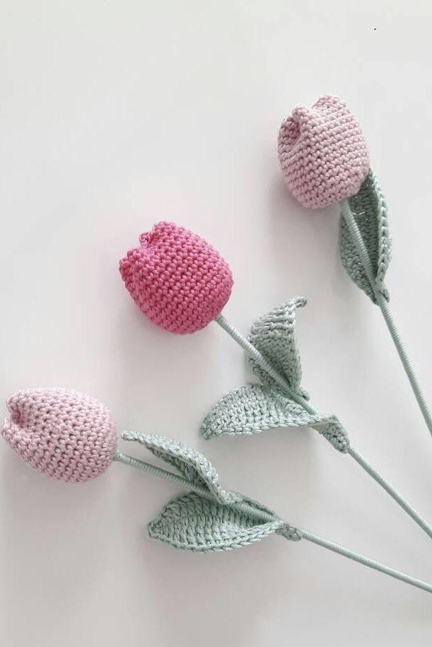 Botões de rosas em crochê
