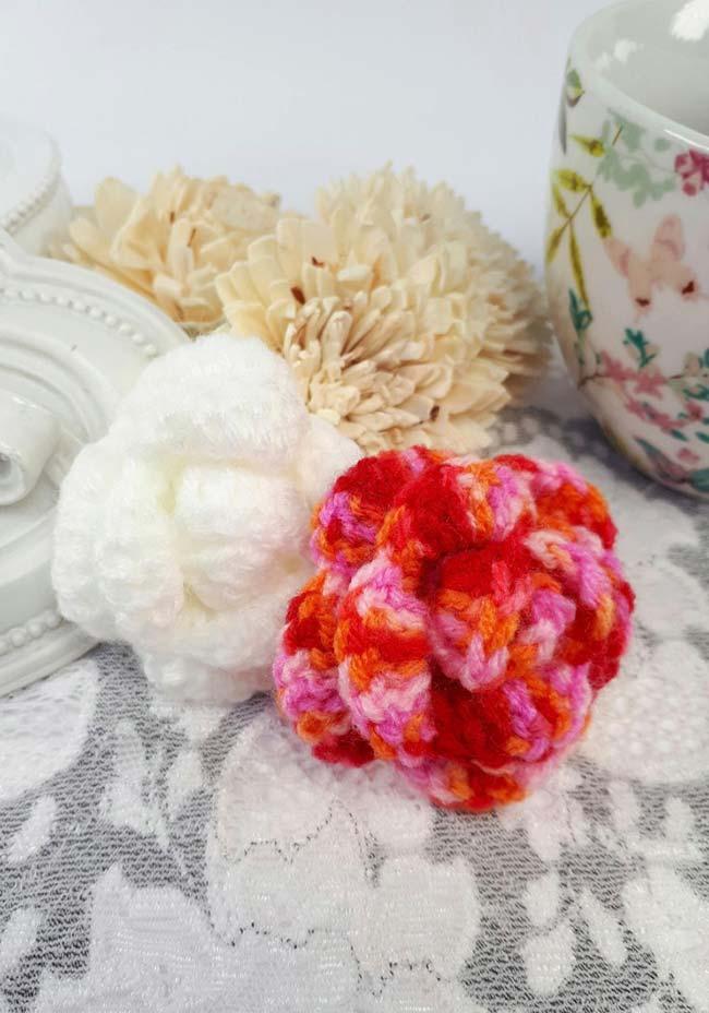 Rosas de crochê enroladas