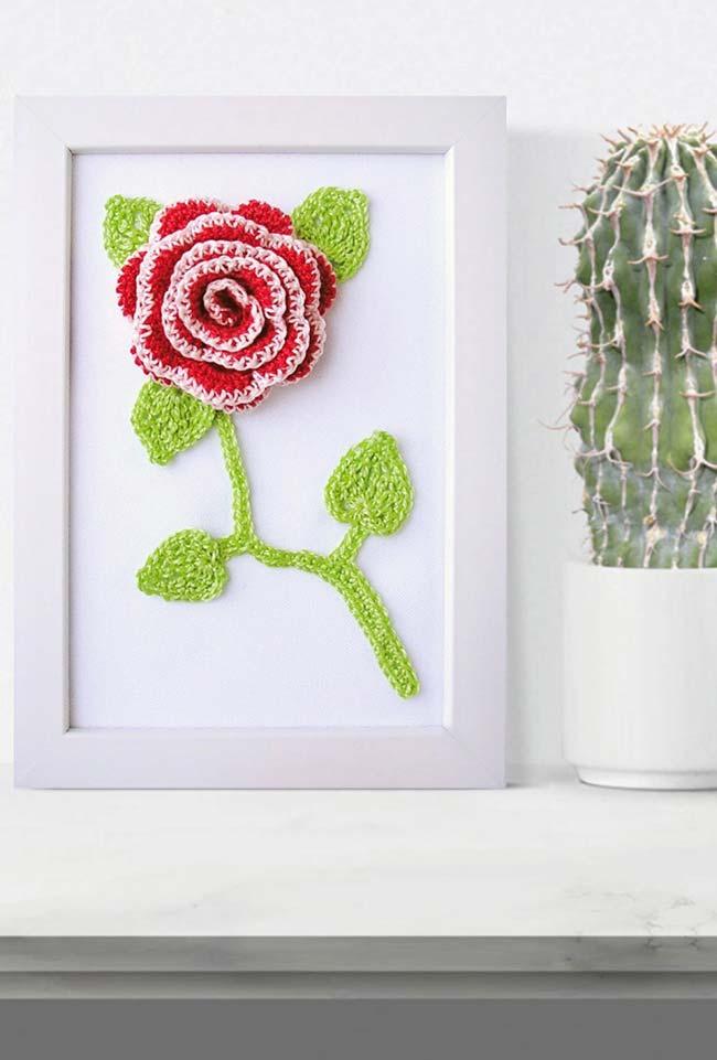 Quadro de rosas de crochê