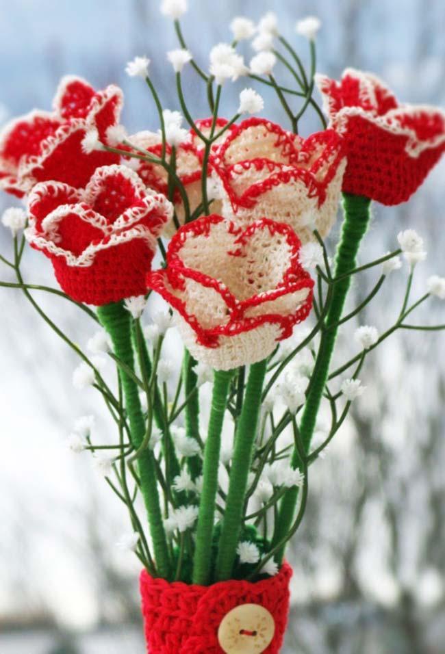 Rosas de crochê branco e vermelha