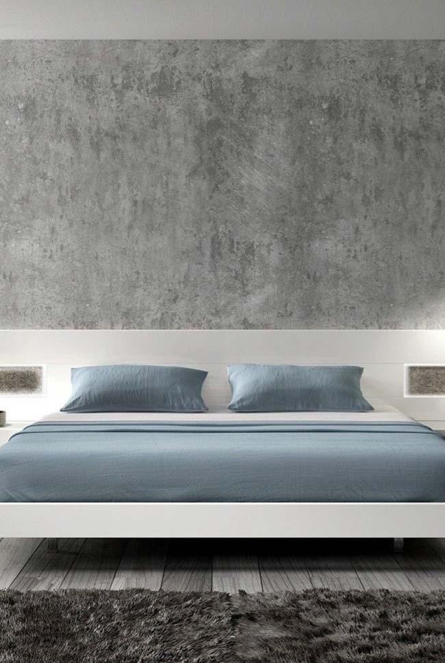 Marmorato cinza no quarto de casal branco e azul