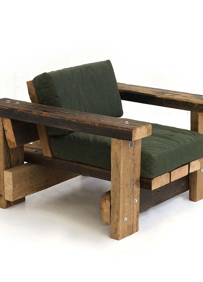 Para quem quer relaxar e esticar as pernas, o assento maior é ideal