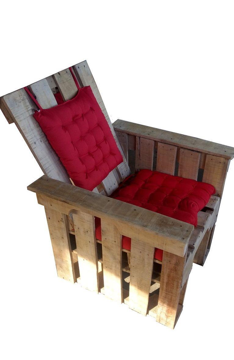 Poltrona de pallet com encosto e assento de futon