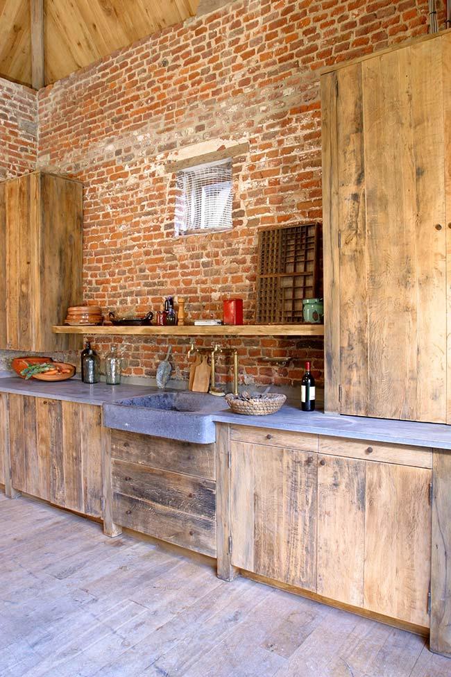 Cozinha com móveis de pallet