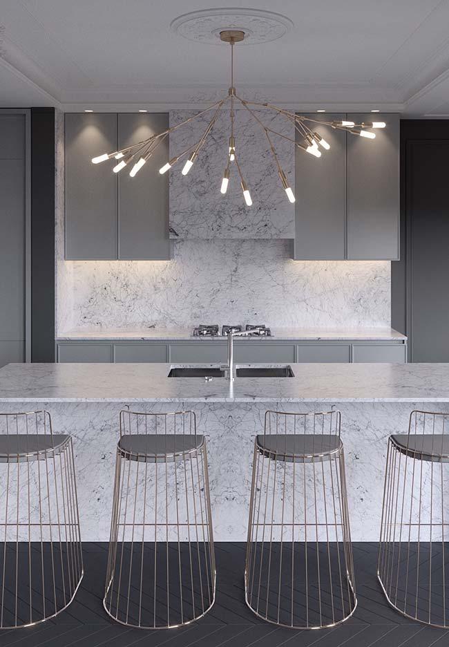 Cozinha moderna com mármore Carrara Gióia