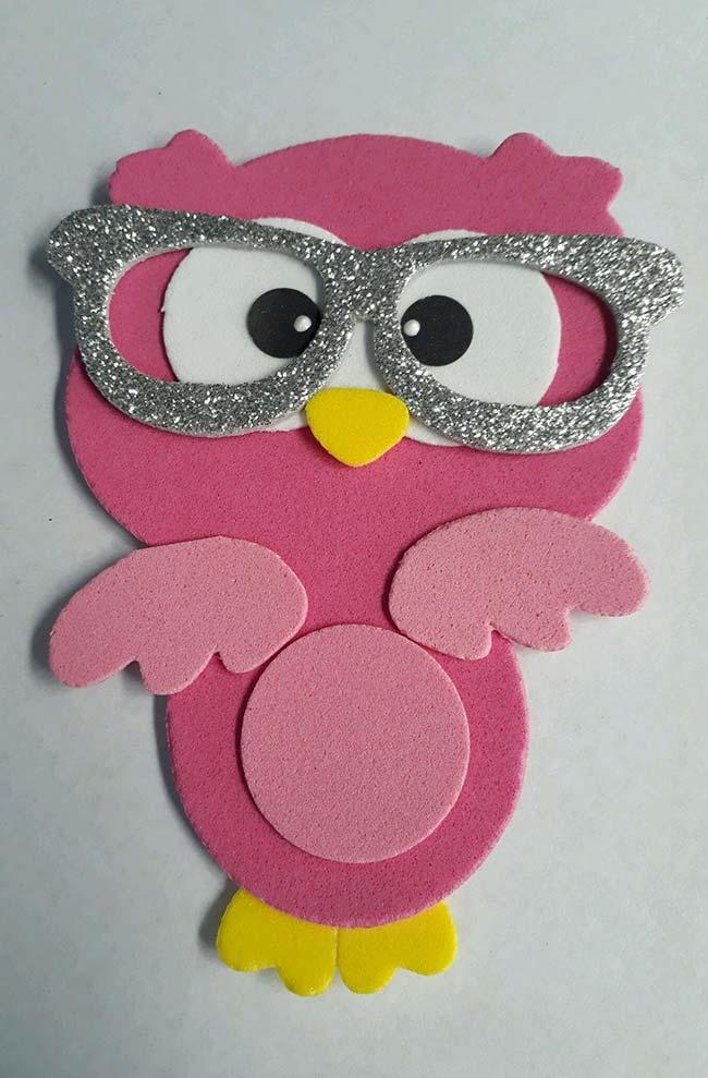 Coruja de EVA com óculos