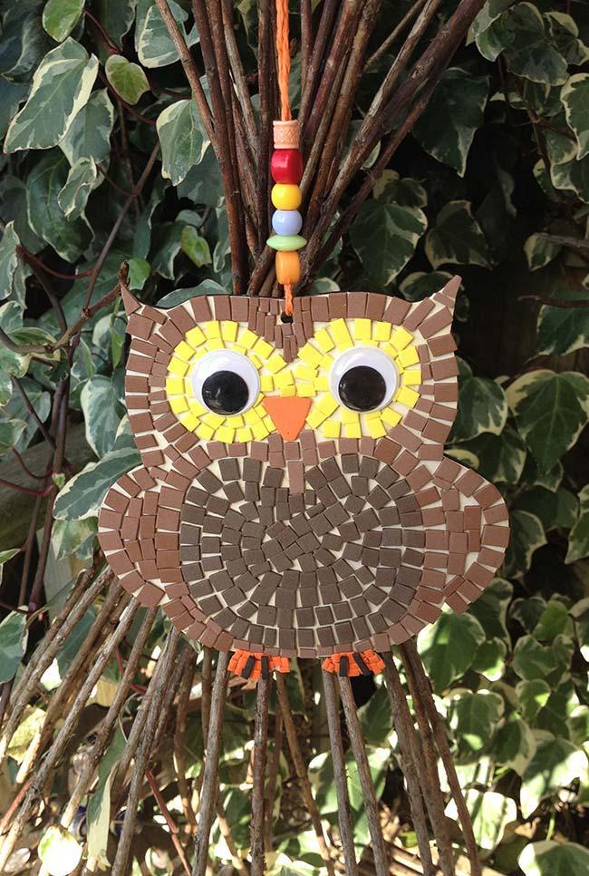 Técnica do mosaico com coruja de EVA