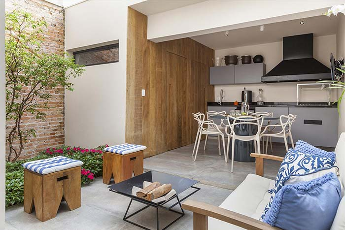 Quintal e varanda gourmet juntos