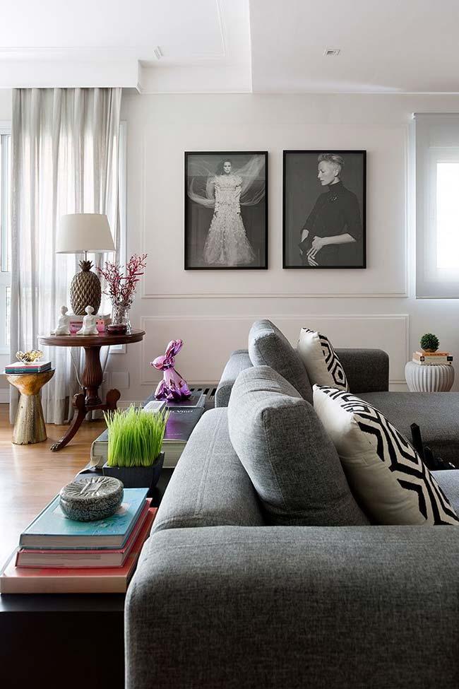 Abajur irreverente: base de abacaxi reforça o tom levemente descontraído dessa decoração